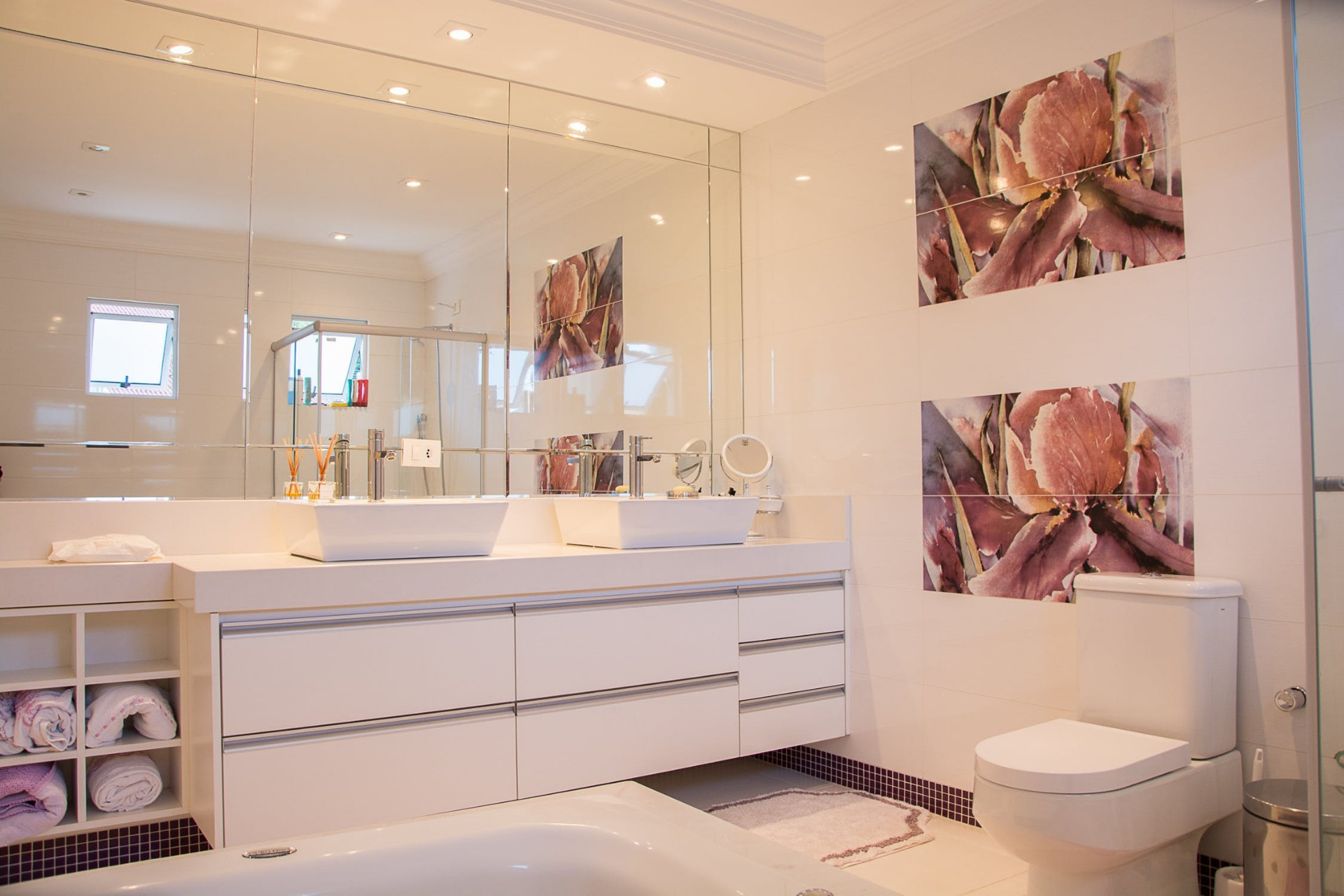 Learn How to Remove Hard Water Stains from your Bathroom Tiles
